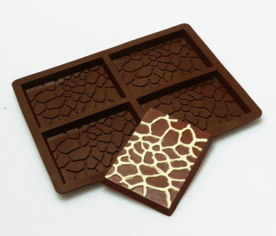 4 cell Giraffe Print / Animal Skin Chocolate Bar Silicone Mould - N040