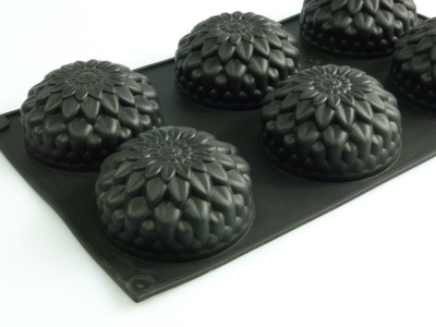 6 cell Chrysanthemum Silicone Mould - Ideal For Baking Cakes, Making Soaps