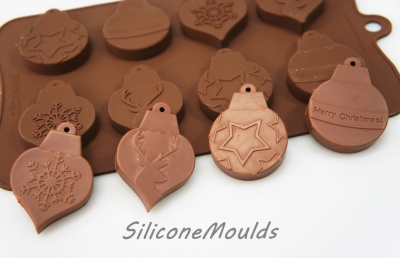 8 cell Hanging Christmas Tree Bauble - Novelty Silicone Chocolate Mould