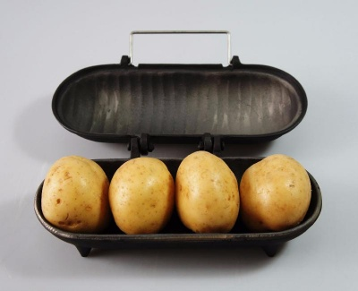 Large Size Cast Iron Baked Potato Cooker (Holds 3 > 4 Potatoes)