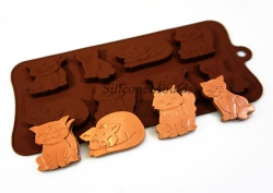 8 cell Grumpy / Moody Cats Silicone Chocolate Bakeware Mould