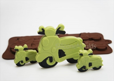 4+1 Scooter / Moped Novelty Chocolate Bar or Lolly Silicone Mould