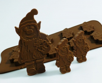 6 + 1 Garden Gnome / Leprechaun Chocolate / Candy Silicone Baking Mould
