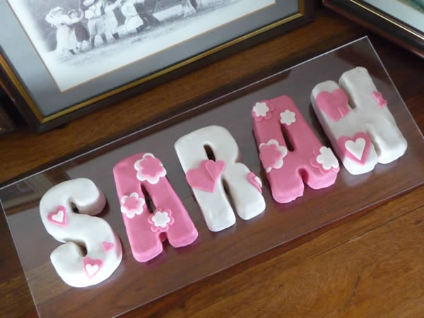 Letter S From Our Say It With Cake Range Names