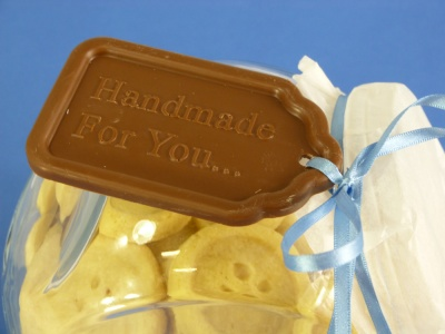 6 cell Large Size Edible Gift Tags - Silicone Chocolate Mould / Multiple Sayings