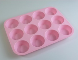 12 Standard Muffin / Cupcake PALE PINK Silicone Baking Mould Heavy Duty