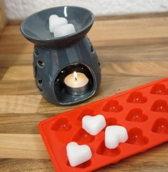 14 cell Heart Melt Silicone Chocolate Mould / Wax - 7mls vol