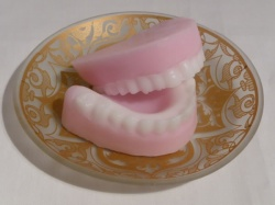 4 cell False Teeth / Dentures Fun Silicone Mould - 30ml volume
